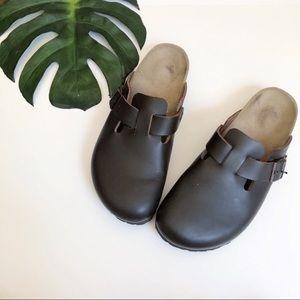Birkenstock unisex Boston clogs brown size 11